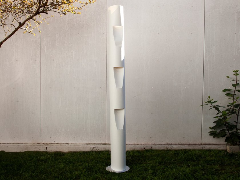 LED floor lamp STYLITE by SMALL RABBIT DESIGN