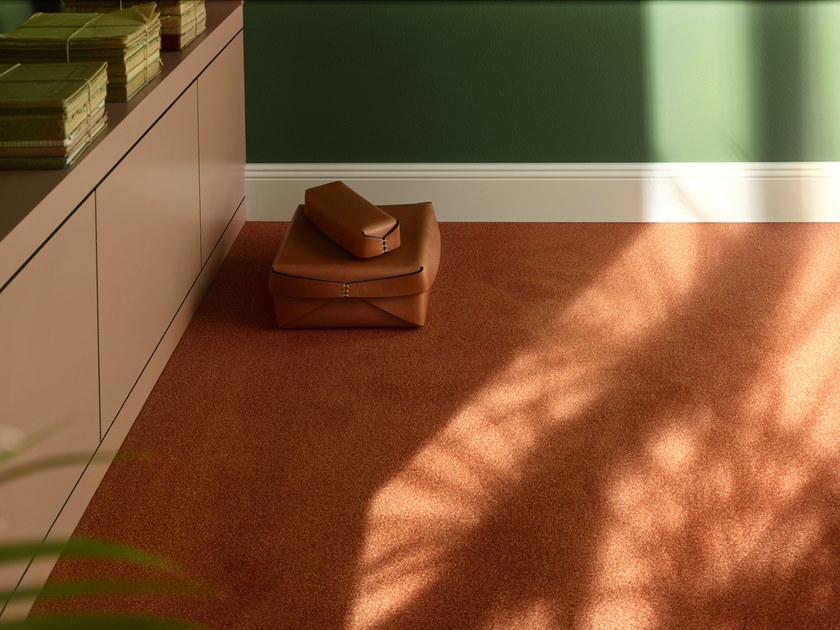 Solid-color polyamide carpeting SUPERIOR 1010 by Vorwerk Teppichwerke