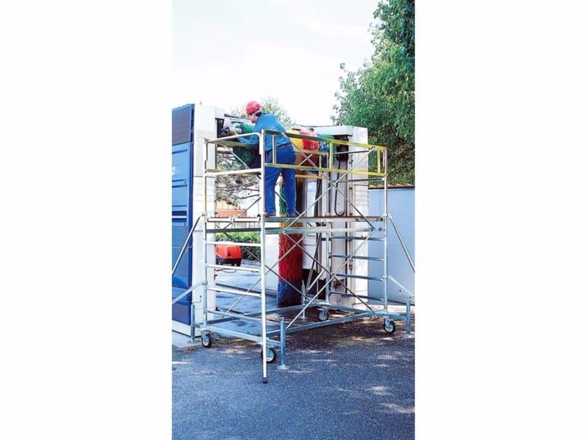 Mobile scaffolding for construction site SUPERLUNGO by Frigerio Carpenterie