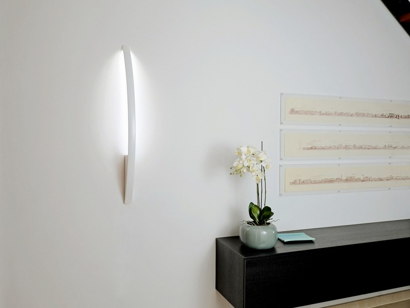 Lampada da parete a LED in alluminio verniciato a polvere SURFIN' | Lampada da parete by millelumen
