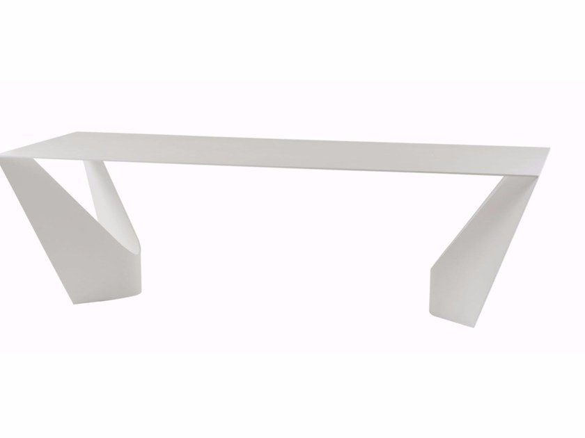 Lacquered dining table SUSPENS by ROCHE BOBOIS