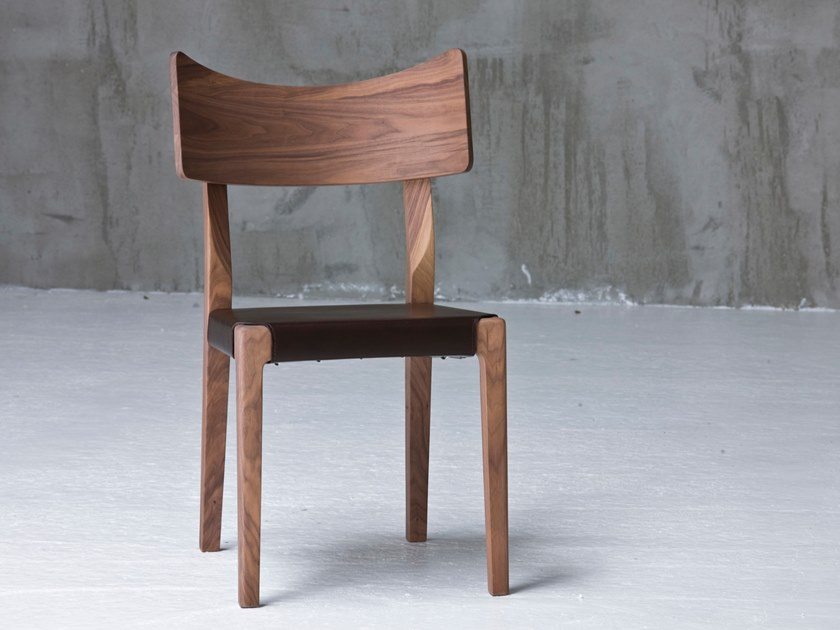 Walnut chair wit seat in brown leather SWEET 21 C by Gervasoni