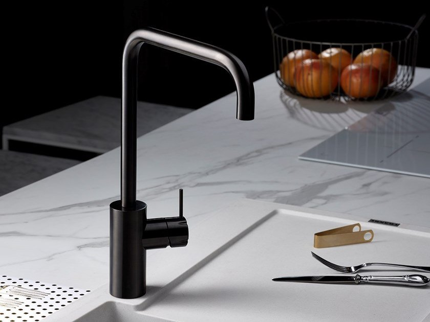 Countertop 1 hole kitchen mixer tap with swivel spout SYNTH | Kitchen mixer tap by MINA