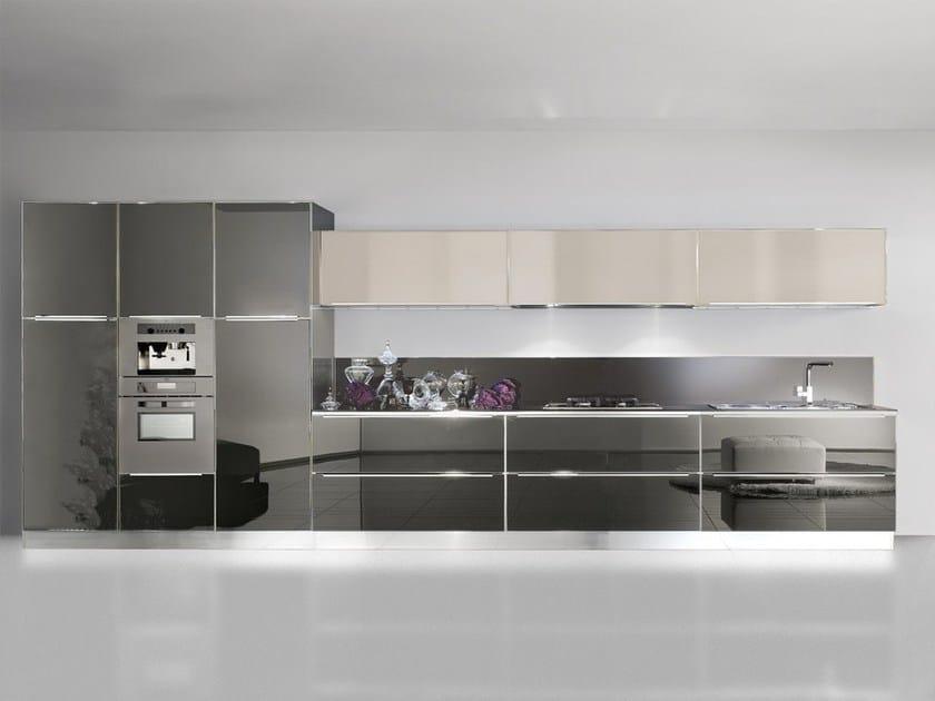 Cucina lineare in alluminio e vetro con maniglie integrate system by dibiesse - Cucina a elle ...