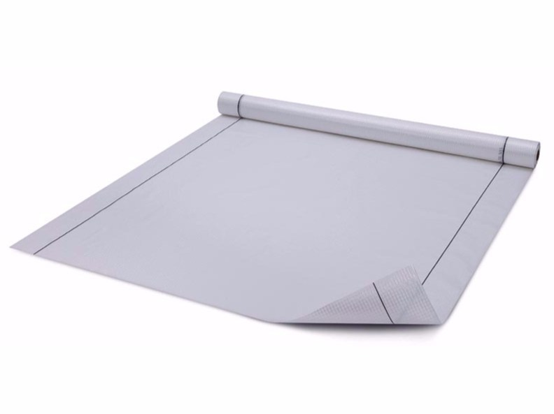 Vapour barrier for roof Schermi sintetici by Riwega