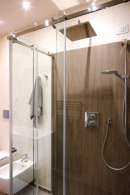 Shower cabin with sliding door By CARMENTA