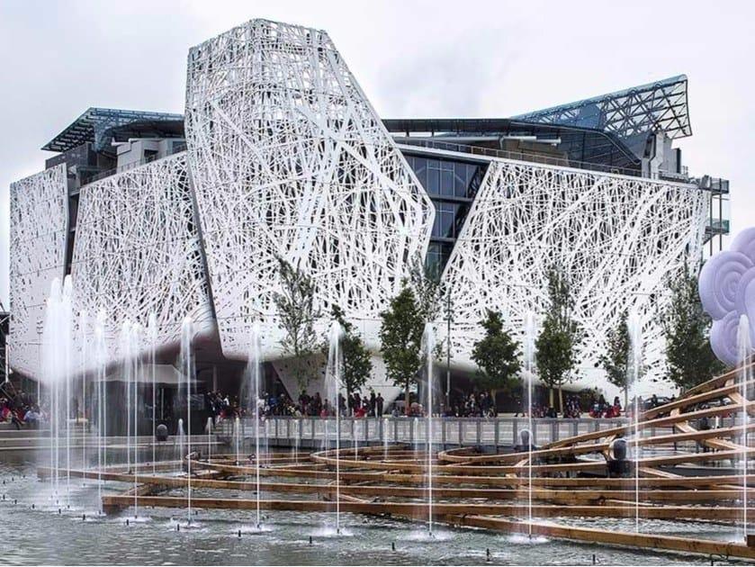 Strutture spaziali in acciaio e vetro Strutture spaziali e forme libere by PICHLER Projects