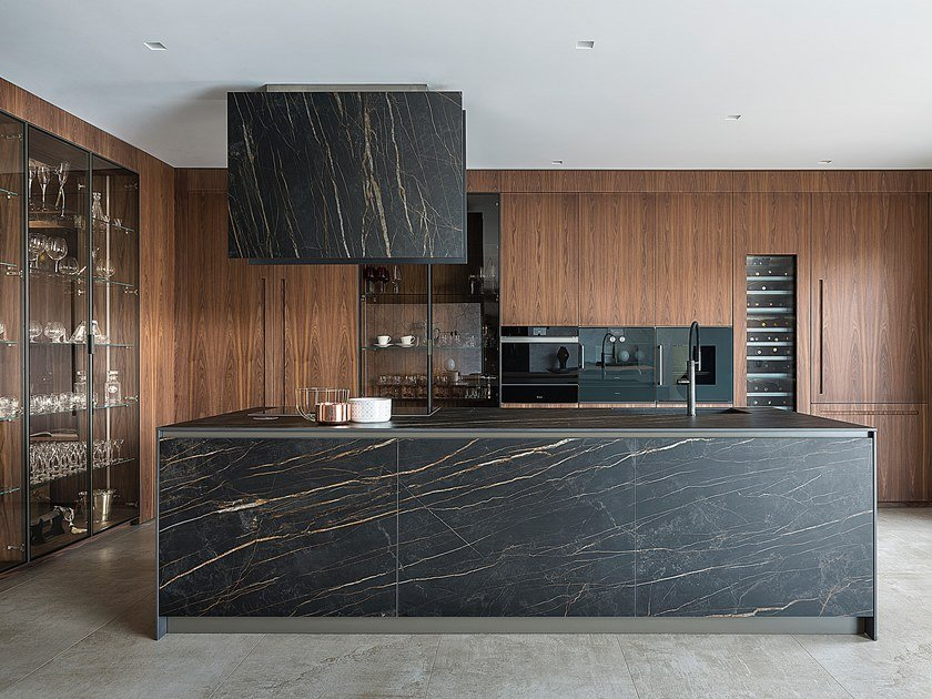 Linear kitchen with island T45 / D90 | Kitchen by TM Italia Cucine
