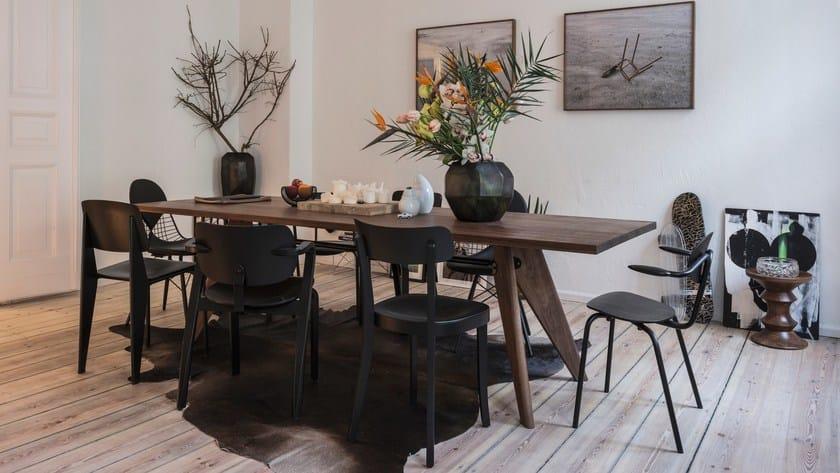 TABLE SOLVAY