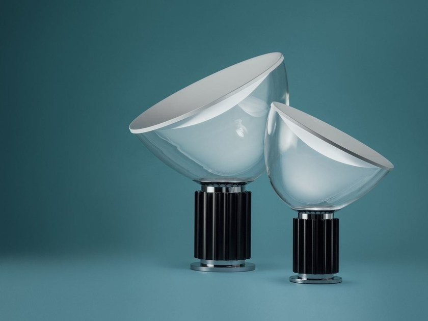 Lampada da tavolo a led a luce indiretta in alluminio e for Castiglioni lampada