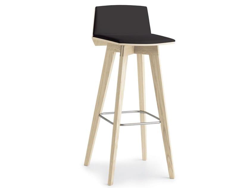 Per la cucina sgabelli tavoli e sedie