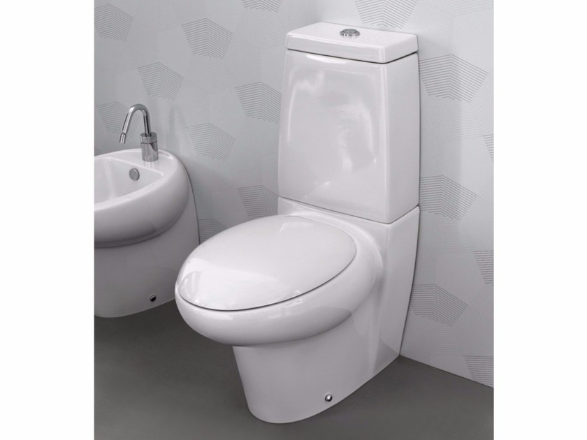 Ceramic toilet with external cistern TAO | Close coupled toilet by Hidra Ceramica
