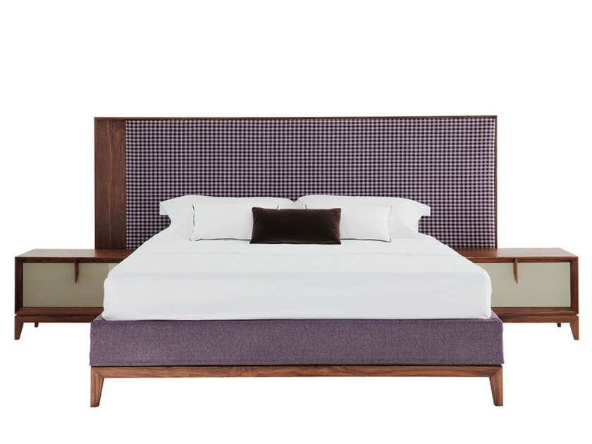 Double bed with high headboard TEATRO | Bed with high headboard by HC28