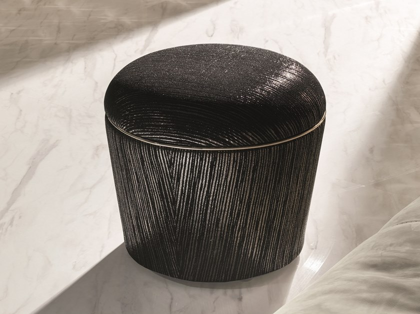 Round leather pouf TEO LOVELUXE   Leather pouf by Longhi