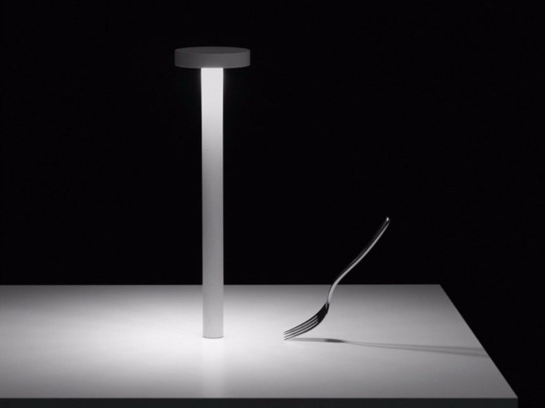 LED lamp with rechargeable battery TETATET by DAVIDE GROPPI