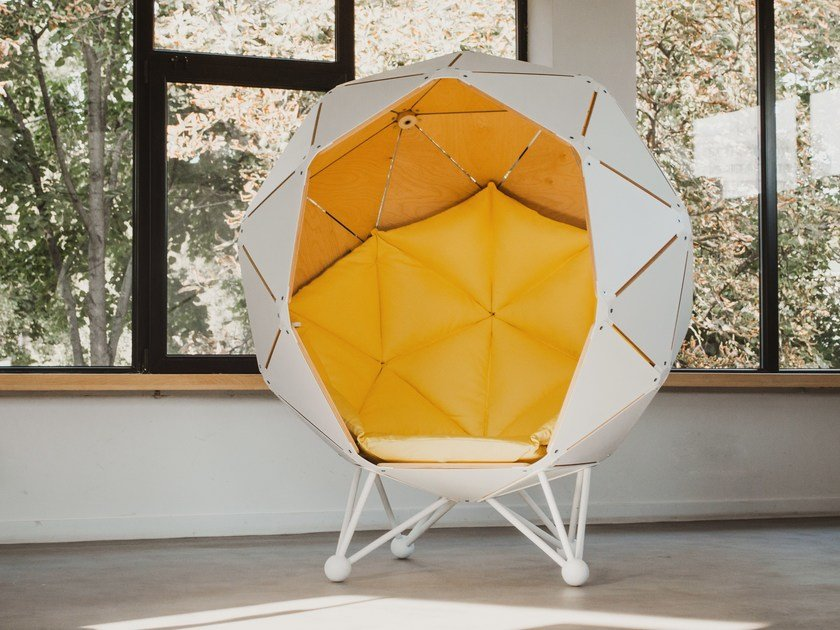 High-back lobby chair THE PLANET by MZPA