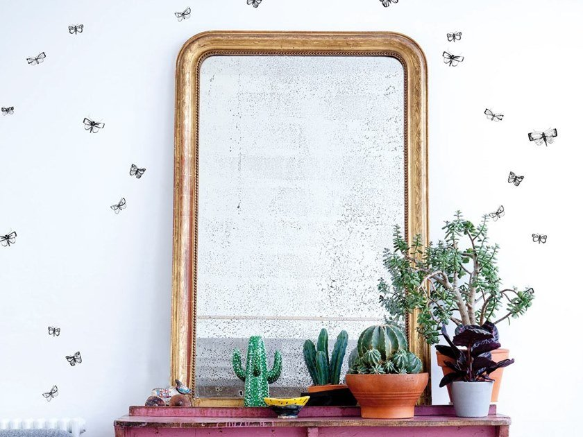 Non-woven paper wallpaper THE WILD BUTTERFLY by Bien fait