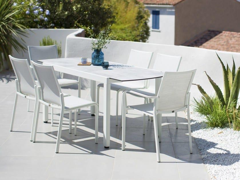 Extending rectangular HPL garden table TICAO By Les jardins