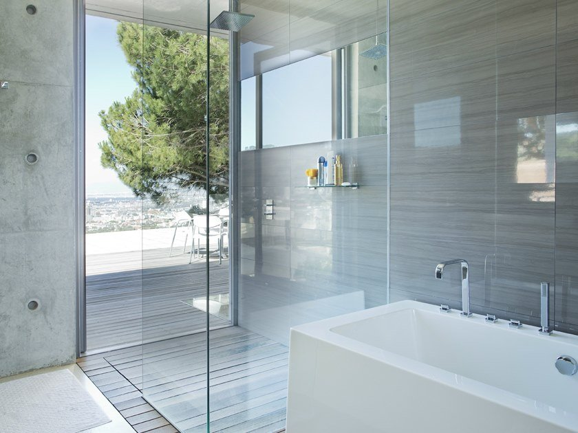 Anti-corrosion glass shower wall TIMELESS® by Glassolutions