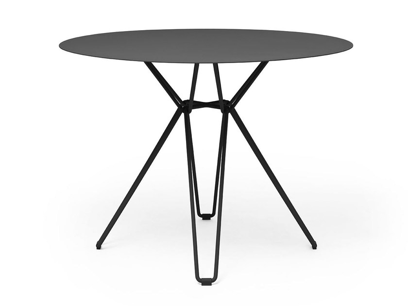Contemporary style round synthetic fibre garden table TIO | Round table by Massproductions
