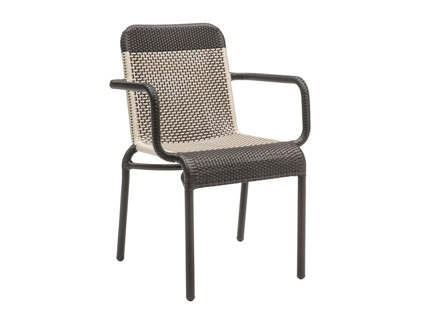 Garden chair with armrests TOBAGO - MARRON FONCÉ | Chair with armrests by Kok Maison