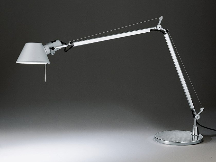 Lampada da tavolo a luce diretta in alluminio TOLOMEO by Artemide