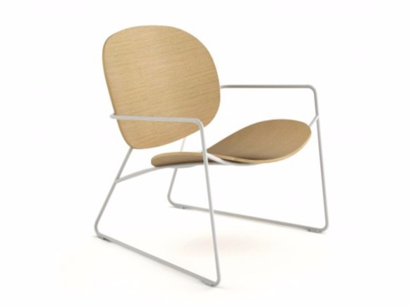 Sled base easy chair with armrests TONDINA LOUNGE by Infiniti