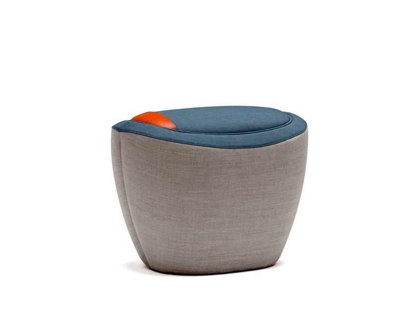 Gepolsterter Sitzpuff aus Stoff mit Aufbewahrung TONICA 1   Sitzpuff mit Aufbewahrung by Casala