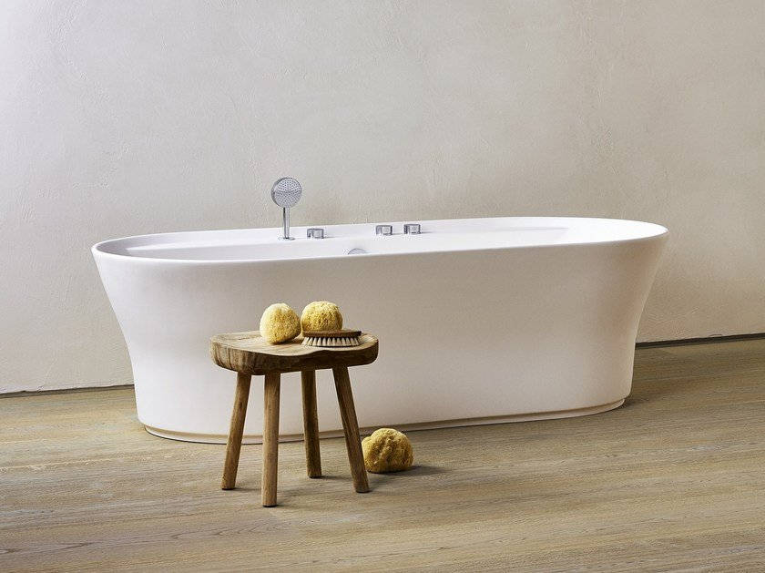 TONO   Freestanding Oval Bathtub. Rectangular Acrylic ...