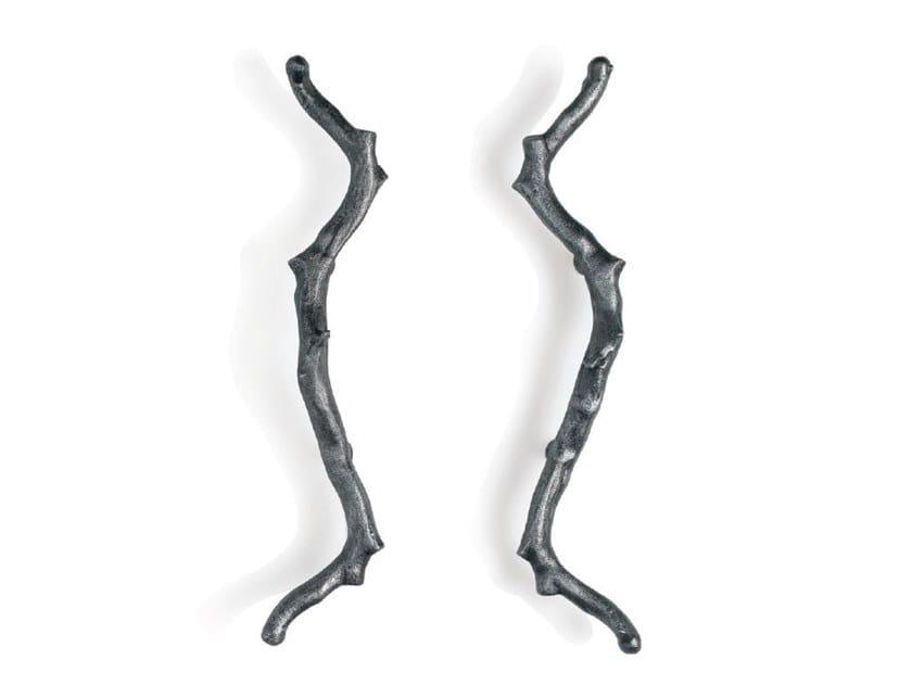 Bronze pull handle TORSO by Serip