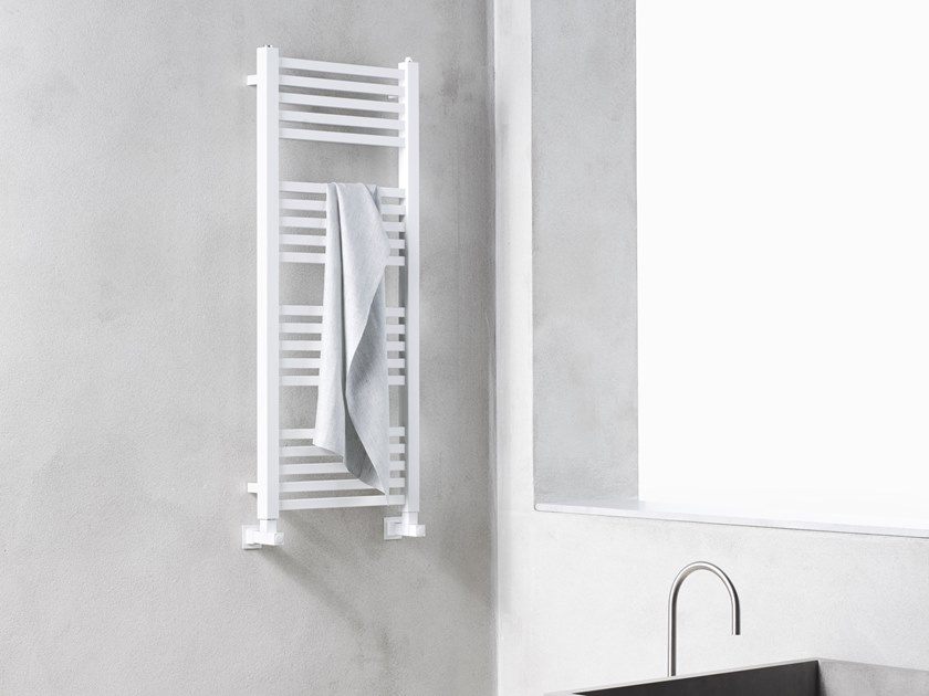 Carbon steel towel warmer TOWER 25 by Caleido