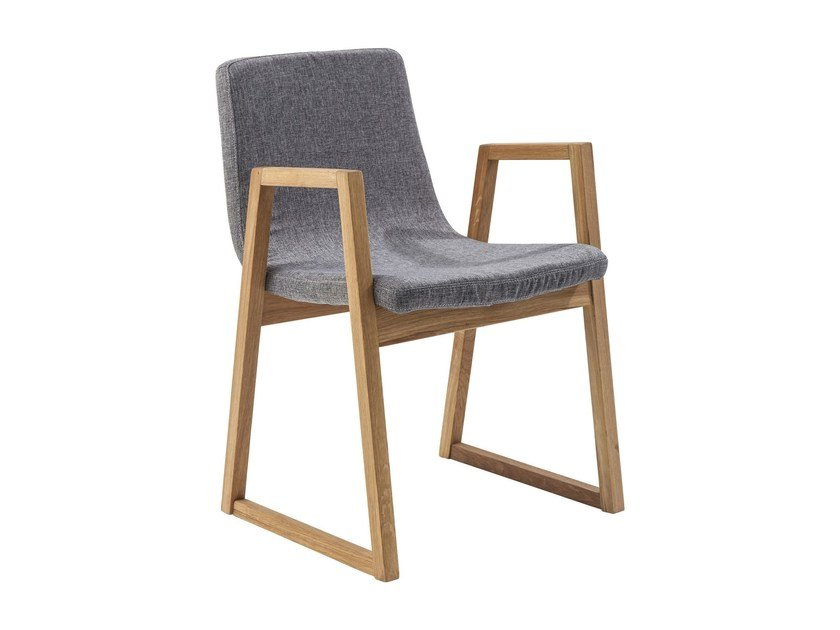 Sled base polyester chair with armrests TRAPEZ | Sled base chair by KARE-DESIGN