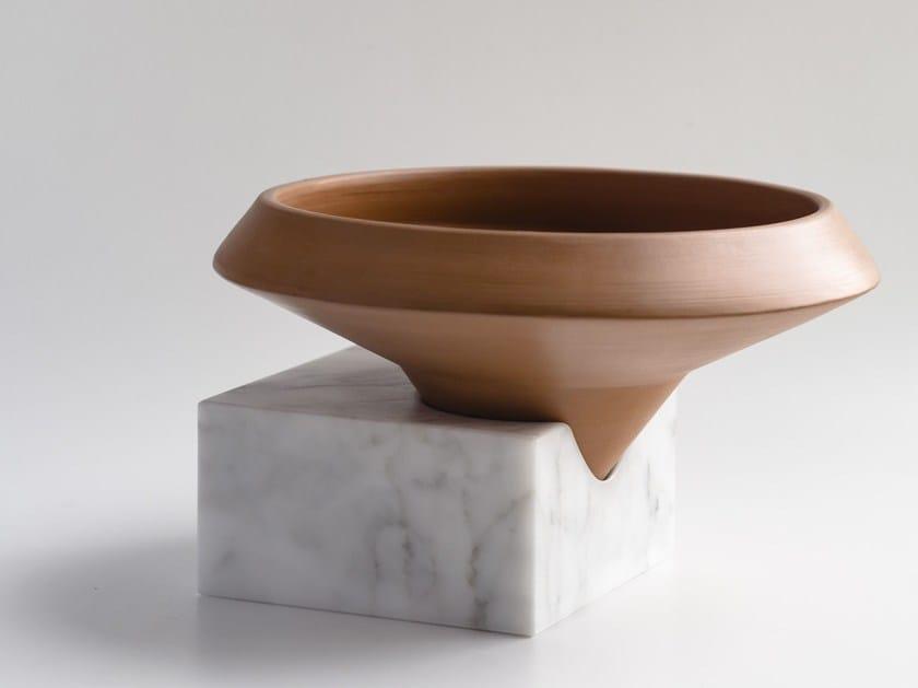 Terracotta vase TRASCORSO by gumdesign