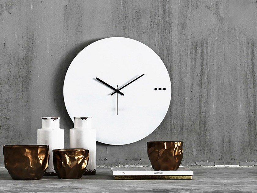 Wall-mounted wooden clock TRE WHITE by xline