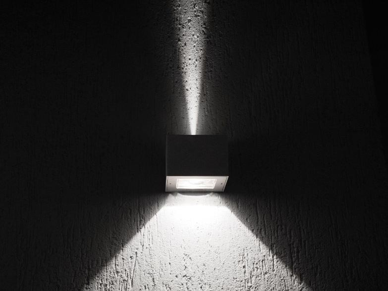 LED direct-indirect light wall lamp TREND UP&DOWN 110 BLADE by Lombardo