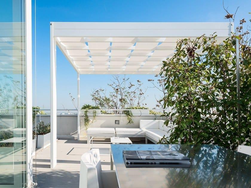 Freestanding aluminium pergola with built-in lights TRESS by Frigerio Tende da Sole