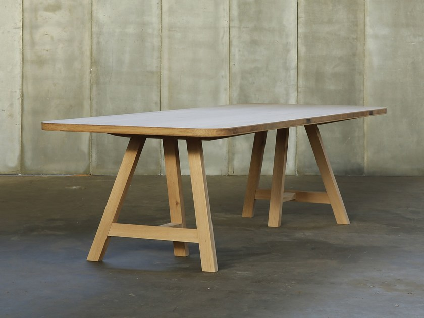 Oak table TRESTLE by Heerenhuis