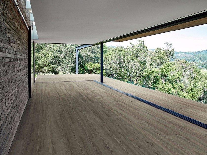 Full-body porcelain stoneware wall/floor tiles with wood effect TREVERKVIEW by MARAZZI