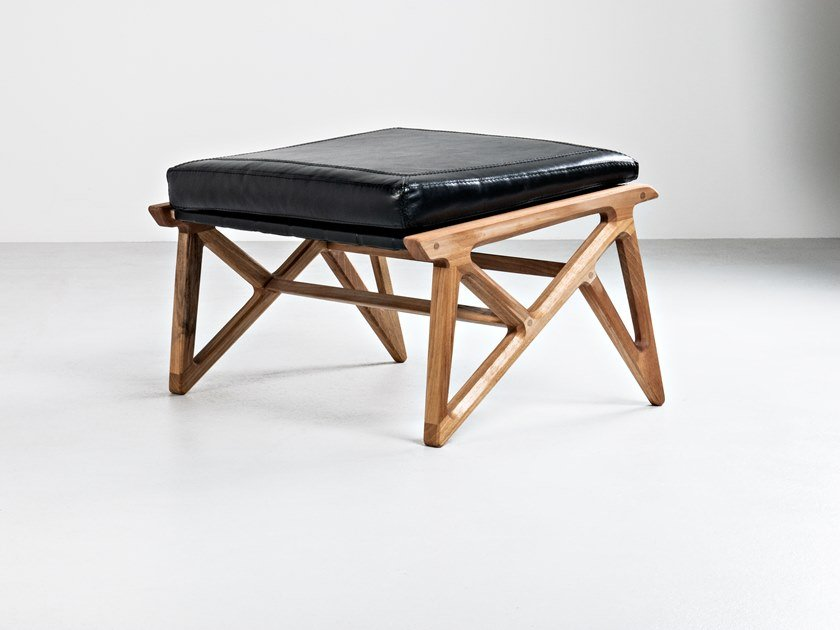 Low leather stool with integrated cushion TRIANGLE | Low stool by HOOKL und STOOL
