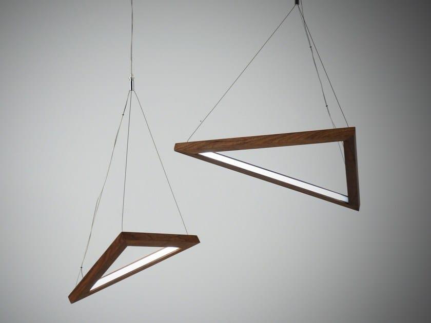 Lampada a sospensione a LED a luce indiretta TRIANGLE | Lampada a sospensione by hollis+morris