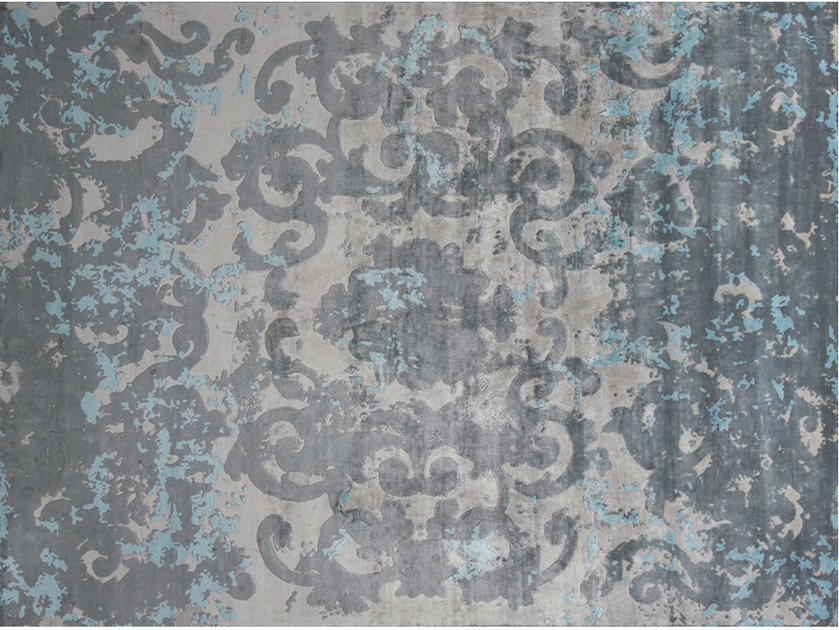 Patterned handmade rectangular rug TRIANON SFUMATO AZURIN by EDITION BOUGAINVILLE