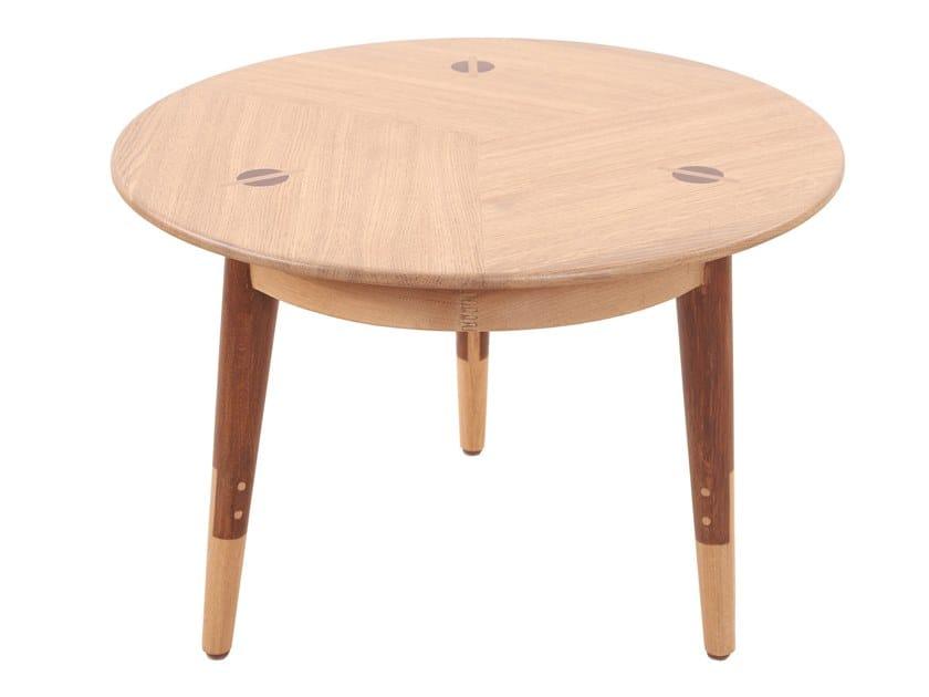 Round English oak coffee table TRIPADI | English oak coffee table by ALANKARAM