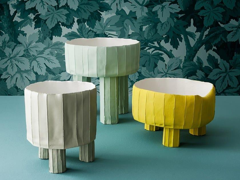Ceramic serving bowl TRIPOD by Paola Paronetto