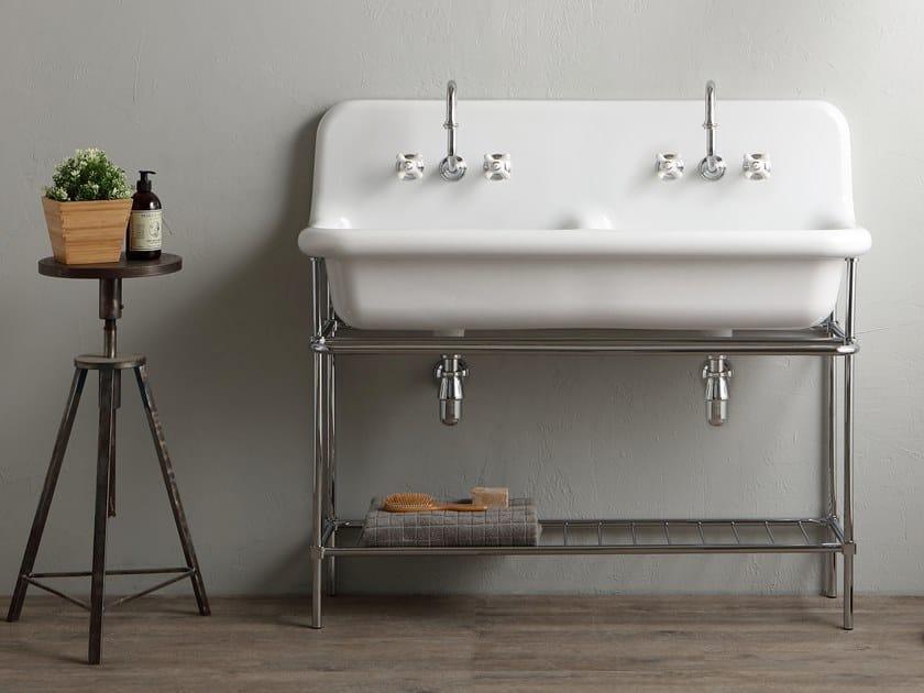 Lavabo a consolle doppio in ceramica con porta asciugamani TRUECOLORS TCL120   Lavabo a consolle by BLEU PROVENCE