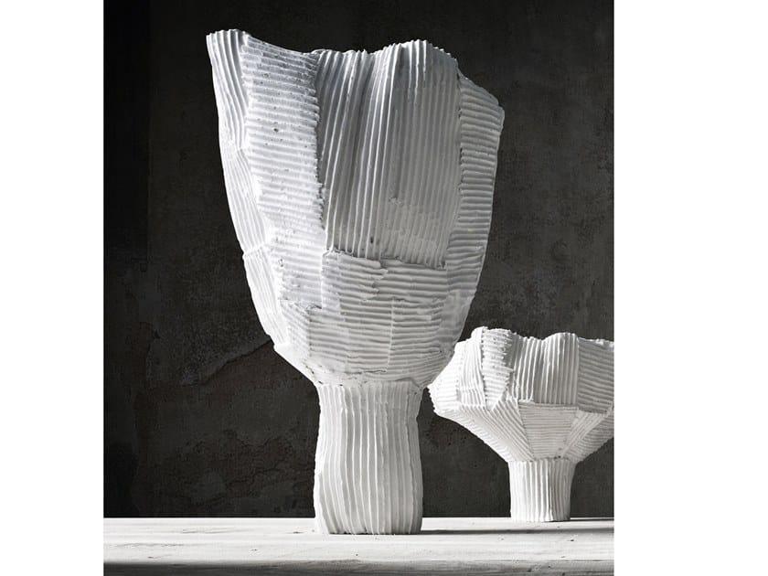 Ceramic bowl TULIPANO by Paola Paronetto