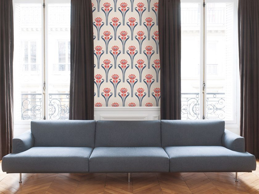 Non-woven paper wallpaper with floral pattern TULIPES by Isidore Leroy