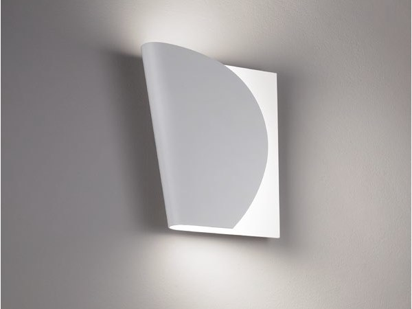 Adjustable metal wall lamp TURN ME by Quadrifoglio