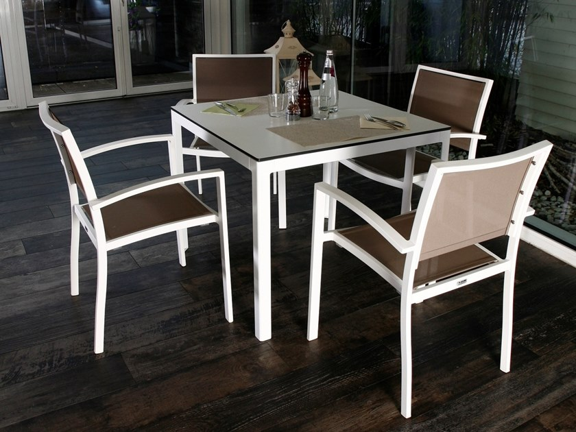 Extending Crystal And Steel Dining Table TYPE