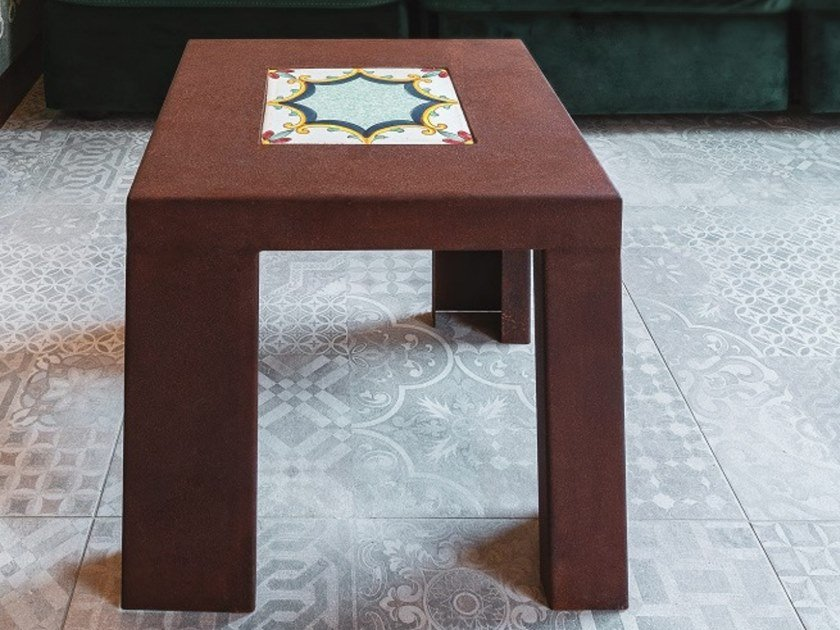 Square Corten™ coffee table UGO by TrackDesign