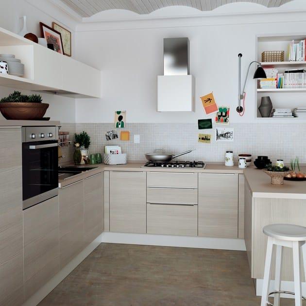 Jjo Urban Kitchen Modern Fitted Kitchens: Fitted Kitchen URBAN&URBAN MINIMAL Scavolini Easy Line By